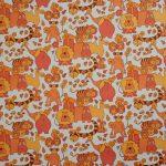 Animaux et fleurettes de couleur orange Années 1970 Impression mécanique Musée du Papier Peint, Rixheim, France, Inv. 2002 PP 21-65