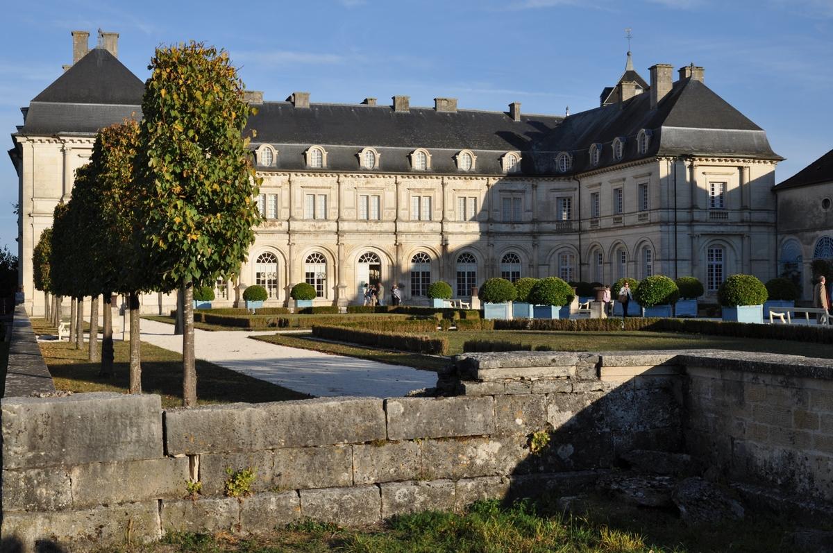 Le Musée départemental Albert et Félicie Demard – Arts et Traditions Populaires – s'installe officiellement dans le château de Champlitte en 1957 et devient la propriété du Département de la Haute-Saône en 1963.