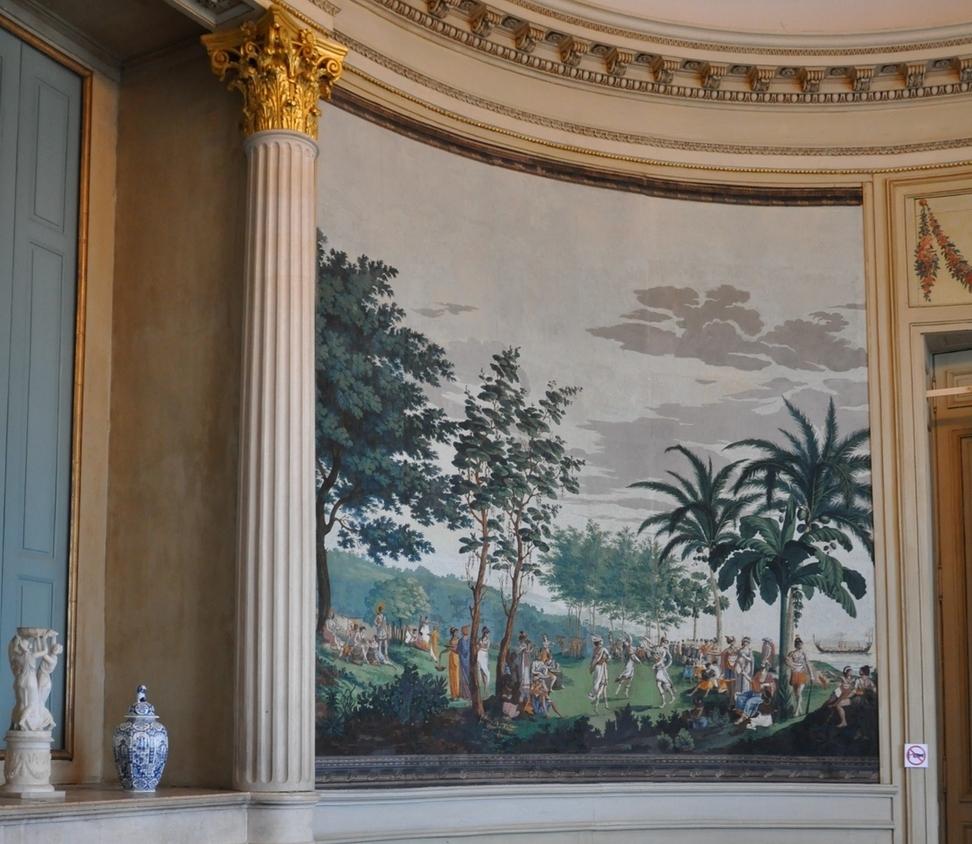 Papier peint panoramique du salon ovale au rez-de-chaussée du château de Champlitte - « Les Sauvages de la mer Pacifique » manufacture Dufour, 1804.